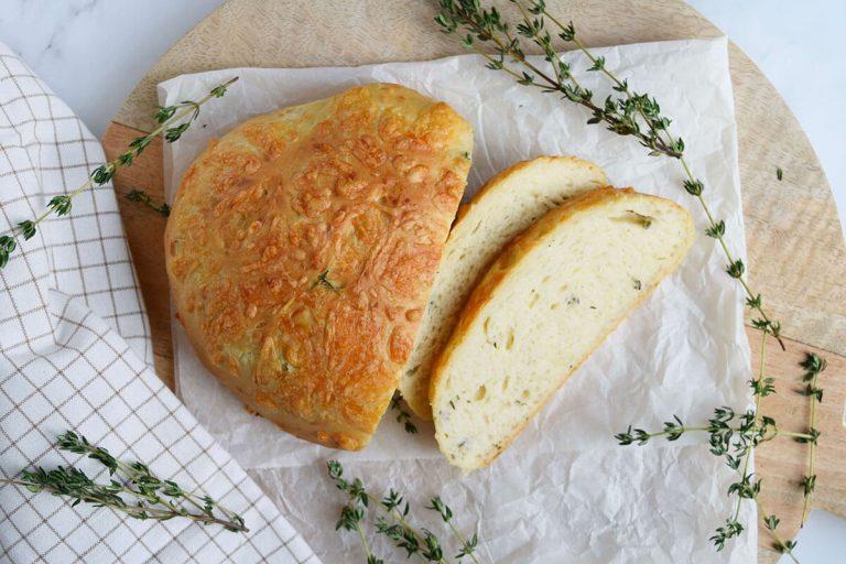 Kaas tijm brood